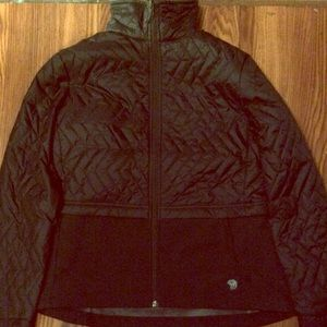 Mountain hardwear black quilted jacket with collar